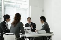 会議中のビジネスチーム