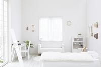 白色のベッドルーム