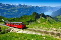 スイス ベルナ・オーバーラント 蒸気機関車