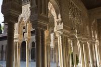 アルハンブラ宮殿 ライオンの中庭 グラナダ