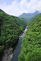 鹿児島県 屋久島の松峰大橋から望む安房川