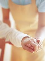 介護人とシニアの手