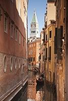 イタリア ベネチア 鐘楼とゴンドラ