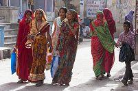 インド ナワルガル サリー姿の女性たち