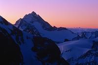 スイス アルプス山脈・ティトリス山(朝)