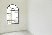 洋風のおしゃれな窓辺
