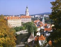 チェコ 秋のチェスキークルムロフ城と家並み