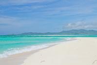 沖縄県 久米島沖に浮かぶ無人島のはての浜