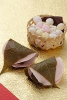 桜餅と雛あられ