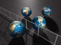 日本と他国を隔てる赤いフェンス