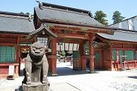 宮城県 鹽竈神社の唐門とこま犬