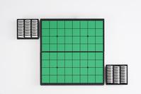 正方形が縦横に8列並べられた形状 - オセロの盤面