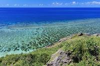 沖縄県 エメラルドグリーンの海 六畳ビーチ付近 与那国島