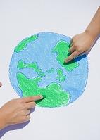 地球の絵を描く