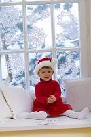 クリスマスの格好をした女の子