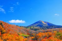 青森県 八甲田山 酸ヶ湯付近から大岳の眺め