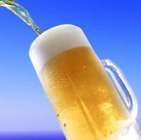 ジョッキに注がれるビール