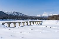北海道 糠平湖 タウシュベツ橋梁