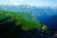 富山県 剱岳と登山者