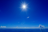 東京都 小笠原 父島 ボニンブルーの海と太陽
