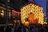 京都府 祇園祭 宵々山の北観音山と南観音山