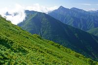 長野県 駒津峰から北岳