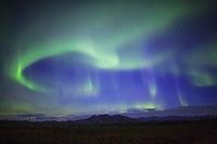 アメリカ合衆国 北極圏コールドットに舞うオーロラ