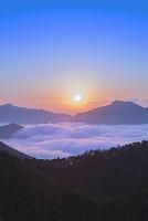 和歌山県 熊野の雲海と朝日