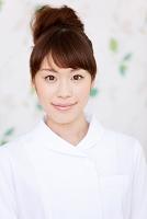 白衣を着ている日本人女性
