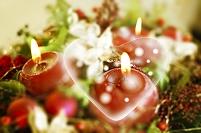 ロウソクとクリスマス飾り