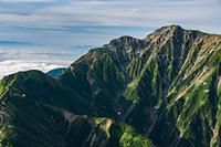 唐松岳山頂から見る五竜岳