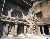 インド アジャンター石窟寺院第19窟