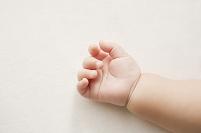 日本人の赤ちゃんの手