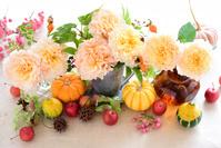 バラとかぼちゃ 秋のアレンジメント