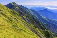 鳥取県 弥山山頂から大山最高峰の剣ヶ峰を望む