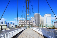 東京都 アイル橋とビル群