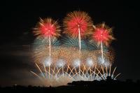 千葉県 利根川大花火大会 ももクロZ10周年の特別ライトアップ