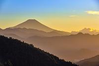 神奈川県 和田峠から見た富士山