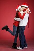 クリスマスを過ごすカップル