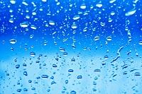 ガラス窓の水滴