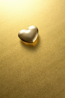 金のハート形