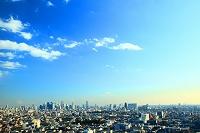 東京都 練馬区から新宿方面のビル群