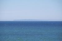北海道 焼尻島と蜃気楼(水平線)