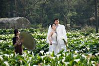 台湾 ウェディングフォトを撮影するカップル