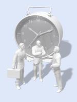巨大な目覚まし時計の前で会話するビジネスマン