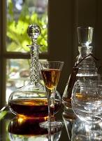 コニャックのデキャンタとグラス