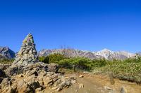 長野県 白馬村 息ケルンと白馬連峰