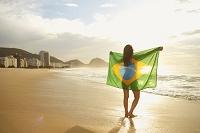 ブラジル ブラジル国旗を纏った女性