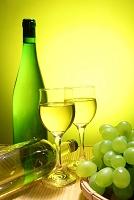 ブドウとワイングラス