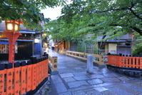 京都府 雨上がりの祇園白川